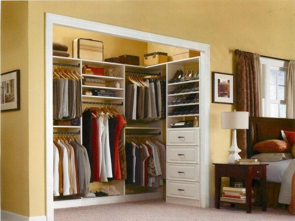 quarto com suíte master e closet