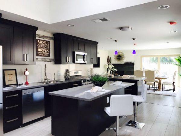 casa 2 quartos e cozinha americana